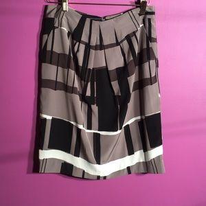 "Ellen Tracy - Flare midi skirt size 6 length 23"""